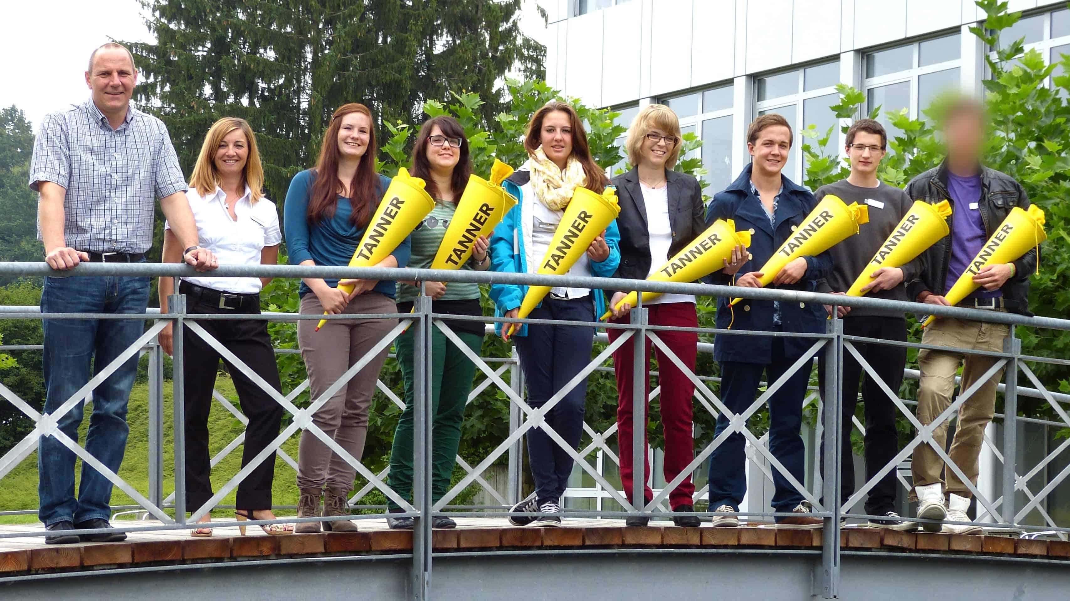 Gruppenbild Neue Auszubildende 2012