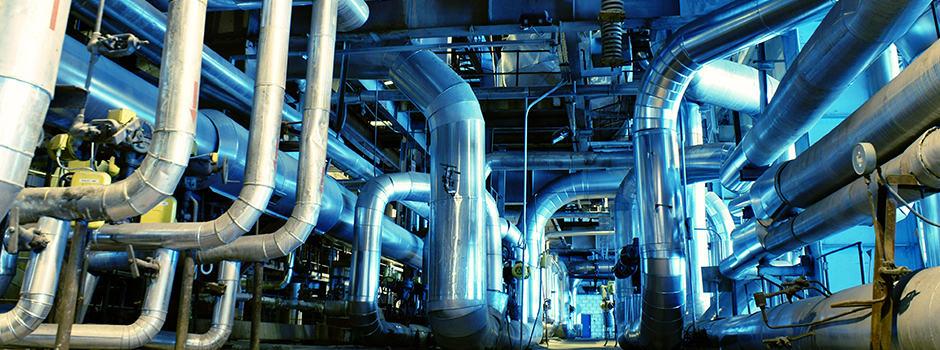 Rohre in einer Fabrik