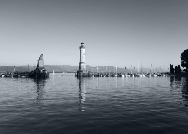 Lindauer Hafen mit Leuchttum und Löwe
